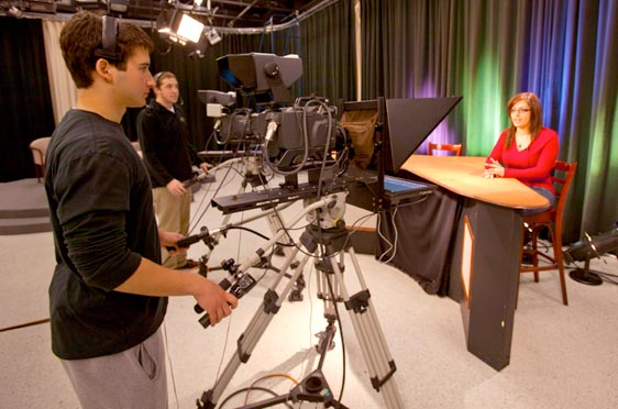 Communication - Department Page - Highlight - TV Studio - 562x372